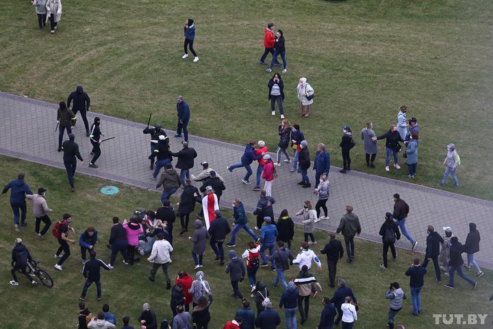 Протесты в Беларуси – Милиция в Беларуси начала массовые задержания протестующих